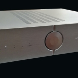Audio Analogue AAcento amplifier - angle view