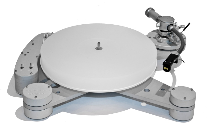 A match made in Devon: Timestep brings the Soulines Kubrick DCX turntable to the UK and adds the Timestep T-09 tonearm & T-01HS headshell
