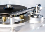 The Wand on Michell Gyrodek turntable (close-up)