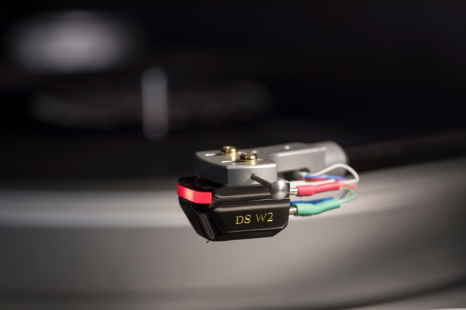 Optical cartridge pioneer DS Audio upgrades ground-breaking DS-W1 model to create new DS-W2