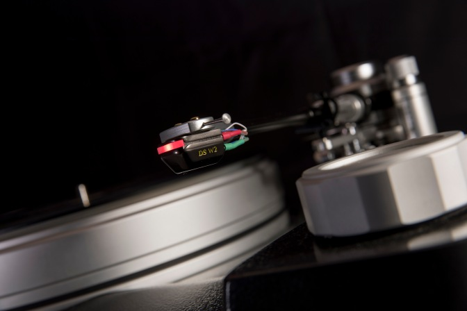 "Another Hi-Fi News 'outstanding product' from DS Audio: the ""reference grade"" DS-W2 phono cartridge"